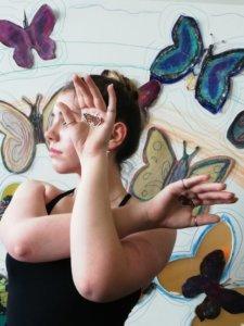 Schmetterlingspuppen im Internationalen Choreografischen Zentrum Leipzig